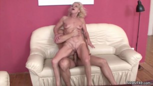 He Seduce Best Hot Friends Mom To Fuck and lost Virgin