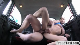 Tight Lovely brunette babe sucks off and banged in the taxi