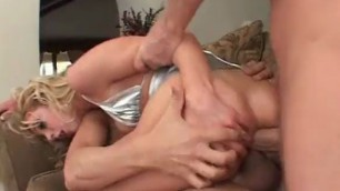 Blonde beauty Kelly Wells gets tight butthole double