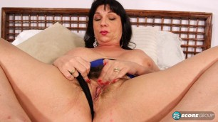 Elektra Lamour Buzzes Herself delivers his pussy pleasure
