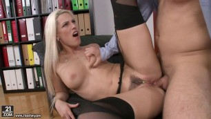 Blanche Bradburry hands and lips excites his cock