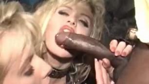 Sexual blonde MILF Taylor Wane need help