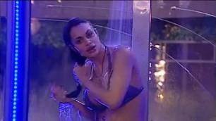 A sexy wet body Cristina Del Basso Doccia sexy
