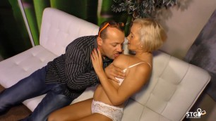 German blonde Eleonora goes for amateur sex on cam