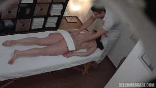 Masseur fucks a girl with natural shapes on the couch 286