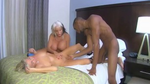 Gorgeous Chicks In Orgy Bang
