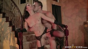 Young Slutty Girl Ariana Marie Has Fuck With Stranger In Halloween Night