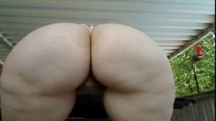 Big Booty White Slut With An Amazing Ass