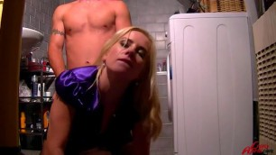 video leony april PISS ON MY PUSSY AND CUM ON MY GLOVES Videoxxx