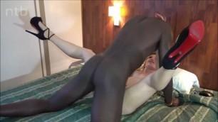 White MILF Legs up Comp Sharing HD Porn