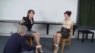 Doublechair tie women with wet pussy