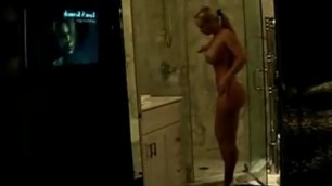 Amateur carolyn coco austin show her body in the shower
