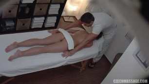 Czech Massage For a pretty girl to relax her pussy E209