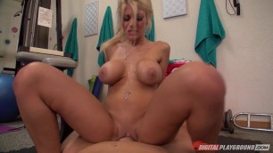 Kayla Kayden Incredibly beautiful blonde with a stunning body Workout Fuck