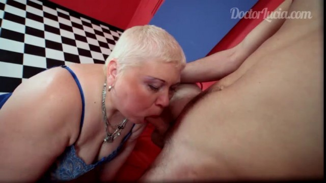 Chubby old slut Corina gets nailed in a surreal room