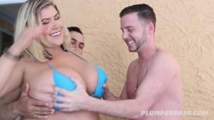 Plumper Blonde Kacey Parker Jacuzzi Jackin Threesome Sex