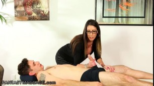 Sexual spex mom in law gives relaxing dick massage to young stud