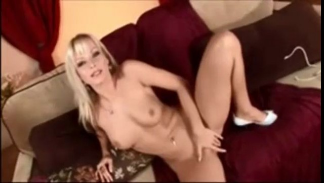 Gorgeous Jana Cova Masturbation with Vibrator
