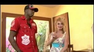 taylor wane int her fucks on the table black guy Taylor Wane