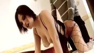 VIP SESSO E POTERE Appealing Brunette Sara Tommasi