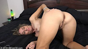 Lillian Tesh mature woman demonstrating her body Solo