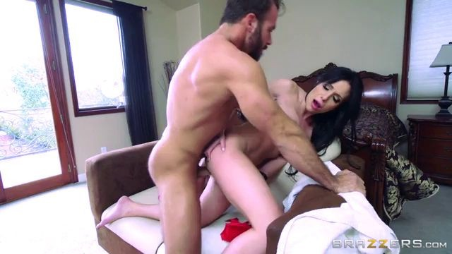 Stepmom jaclyn taylor fucked in front of the mirror chad
