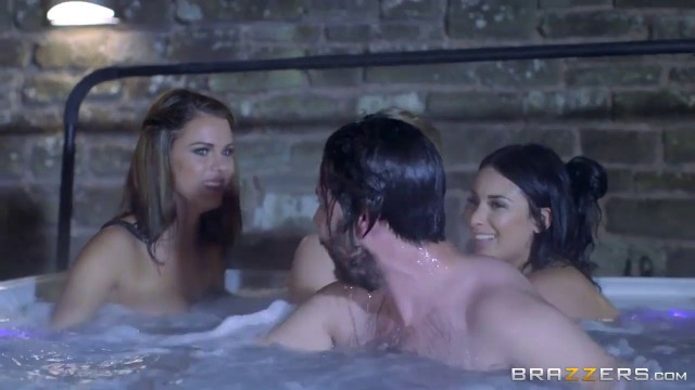 Anissa Kate and Peta Jensen in Amazing Threesome Sex women having threesome