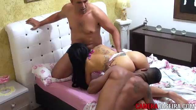 Horny Brunette Invites Two Guys To Bang Her Xnxxx
