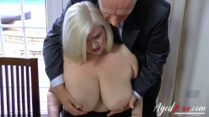 Sexy Mom Gets Banged In An Interview Gilf Pussy