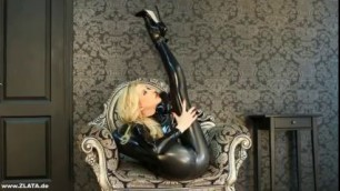Flexible Zlata & Legs Behind Head Self Cunnilingus Iwank Tv