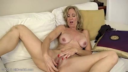 Horny Mature Jenna Covelli Masturbate With A Toy!!! Lebanon Porn