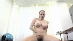 Gianna Michaels Fisting And Play With Pussy