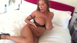 Kianna Dior Start Tittytuesday With My Cocktease Video