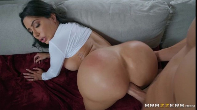 Cumming in Lela Stars's smashing ass