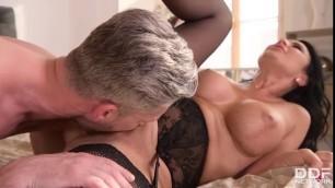 Ania Kinski Incredibly Horny And Ready To Fuck Naked Couple