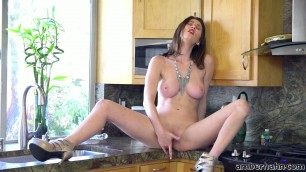 Sexy Solo Girls Amber Hahn Dinner Time