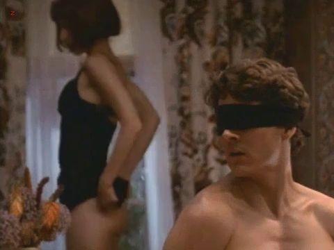 Perrey Reeves Nude Slut Shoe Diaries S03e13 Pornub