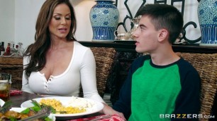 Brazzers - Kendra Lust's Thanksgiving Stuffing With Young Jordi horny porn