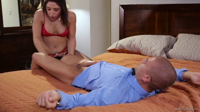 Yoga Class Turns Into Freaky Foursome Abella Danger, Cassidy Banks