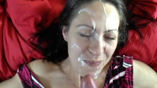 Slutty milf takes a huge messy facial