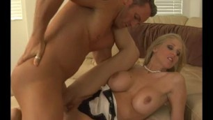 Sexy MILF Julia Ann the squirt instructor