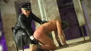 Tortura genital bdsm puffy pussy lips