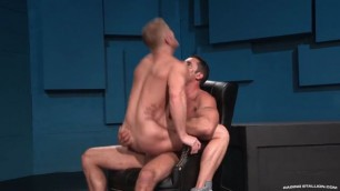 2 Beautiful men fucking pussy to pieces