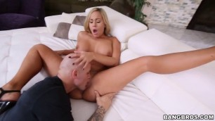 Stranded Thick Hot Blonde Gets Railed Teenager Licking Pussy