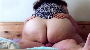Fat babe rides to orgasm