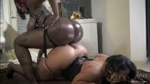 Sexy pinky vs cute vika round 2