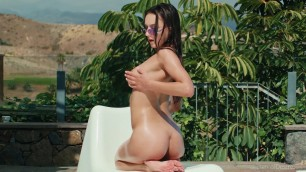 Gloria Sol Aire Her incredible wet body wants to touch